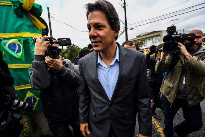Fernando Haddad, el actual candidato a vicepresidente de Lula da Silva, sería quien lo reemplace como aspirante del PT al Palacio del Planalto. AFP