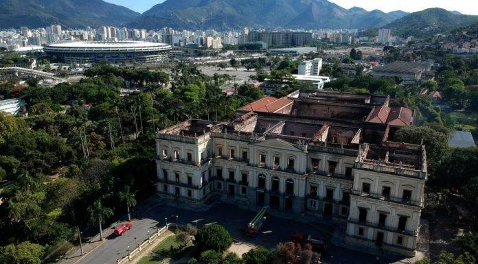 El incendio del Museo de Río se mete en la campaña presidencial