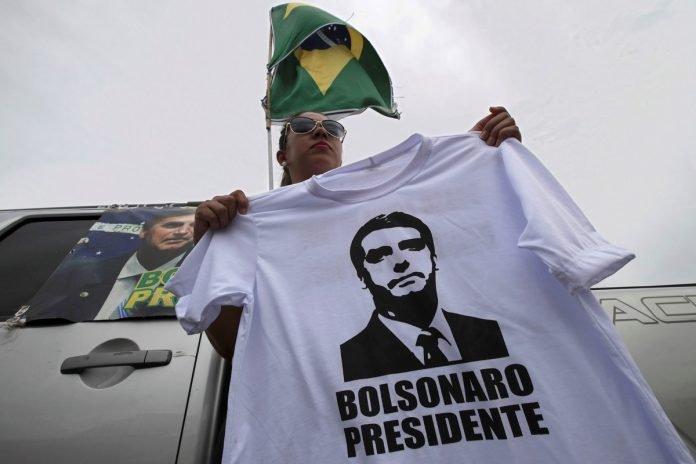 Seguidores de Jair Bolsonaro en Brasilia, la capital del pais. AP